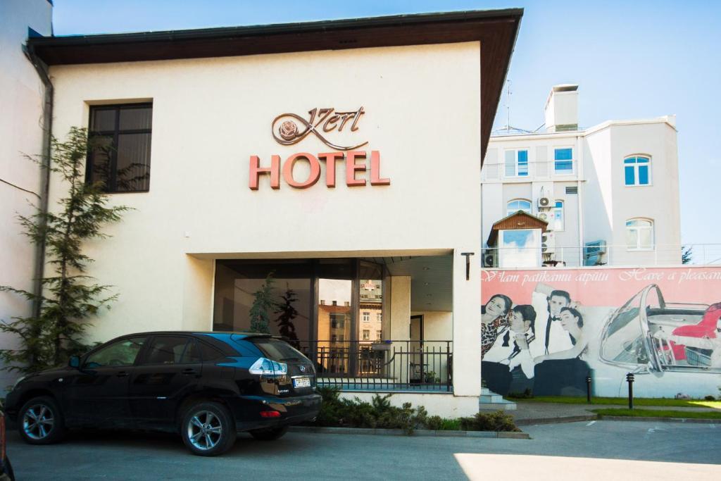 Fasāde vai ieeja naktsmītnē Hotel Kert