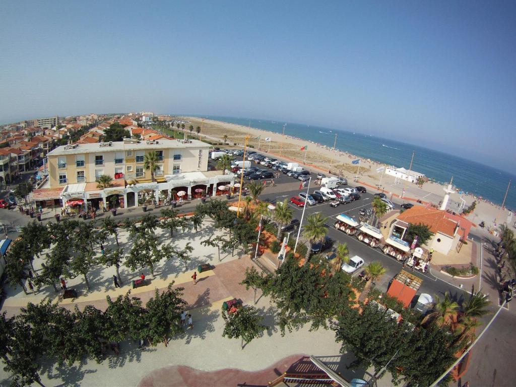 A bird's-eye view of Hotel de la Plage
