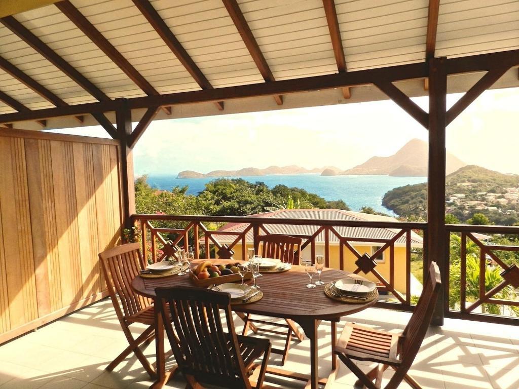 Restaurant ou autre lieu de restauration dans l'établissement Coco D'Iles