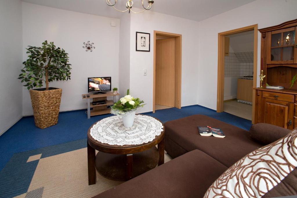 Ein Sitzbereich in der Unterkunft Ferienwohnung am Horstsee