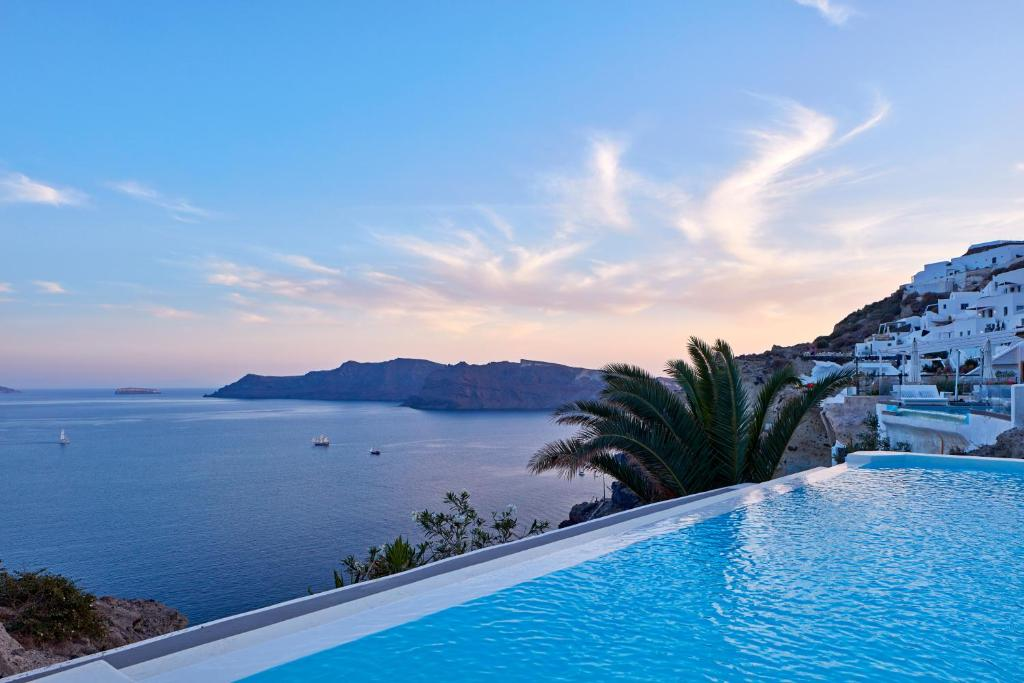 The swimming pool at or close to Katikies Villa Santorini - The Leading Hotels Of The World