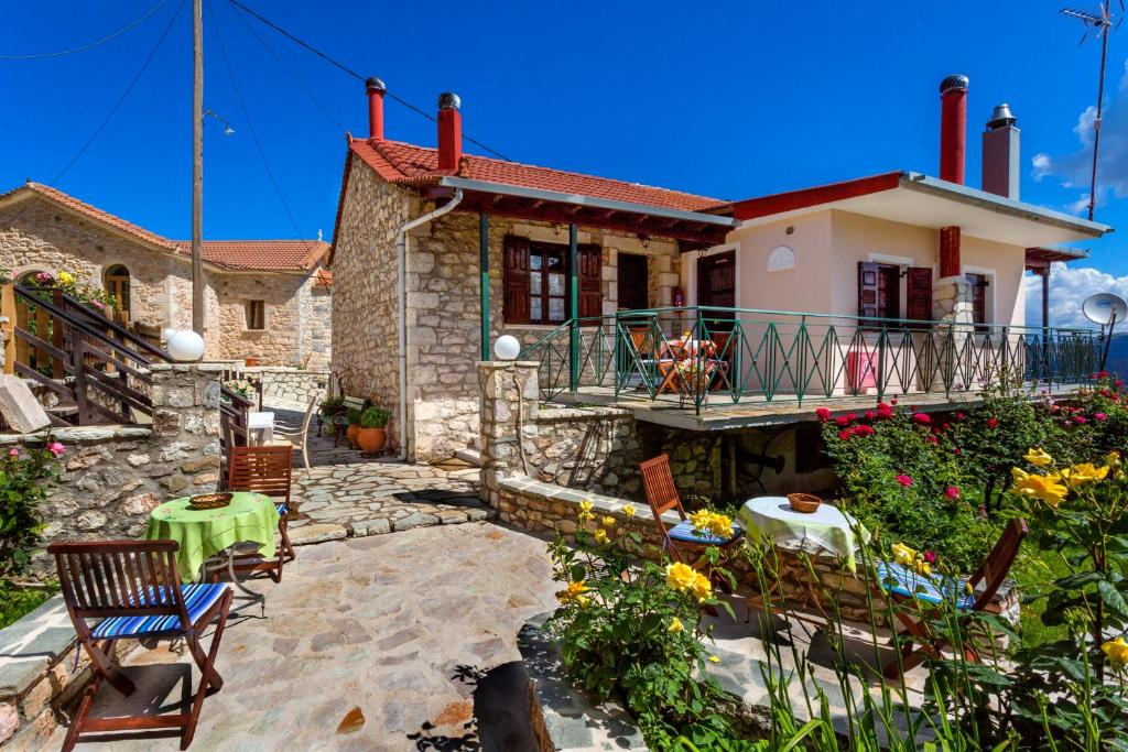 A porch or other outdoor area at Tholos Guesthouse