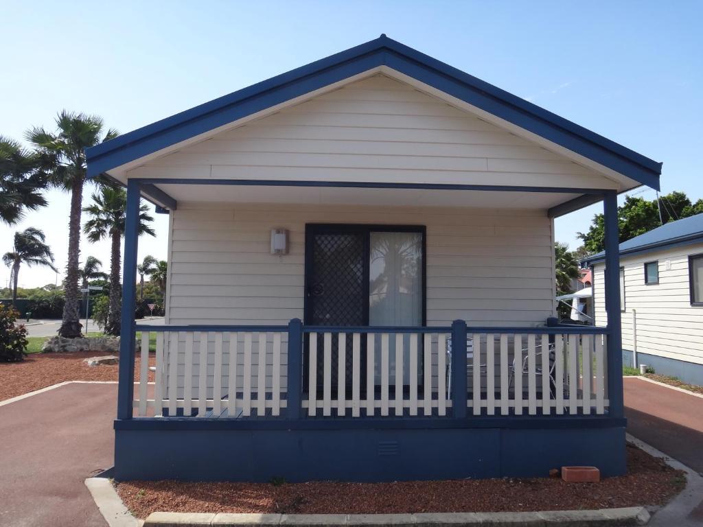 The facade or entrance of Fremantle Village