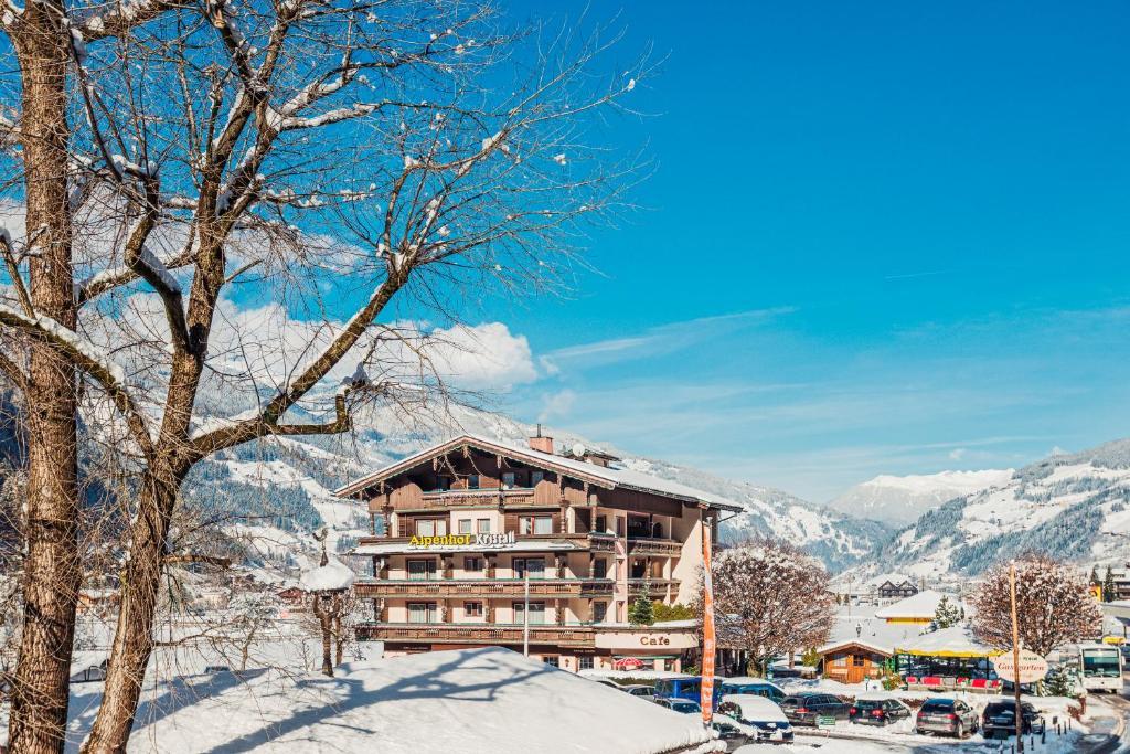 Hotel Alpenhof Kristall im Winter
