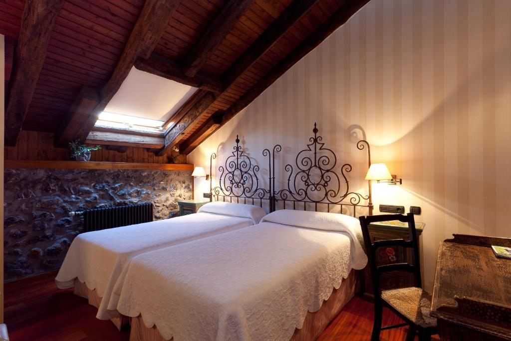 boutique hotels in etxebarria  9