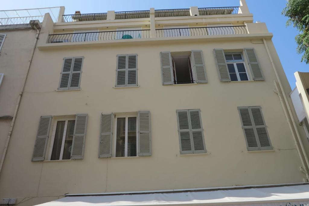 Viva Riviera - 6 Rue Florian