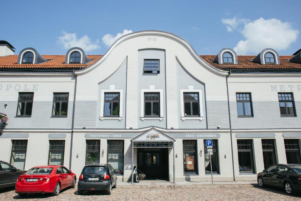 The facade or entrance of Kuldigas Metropole