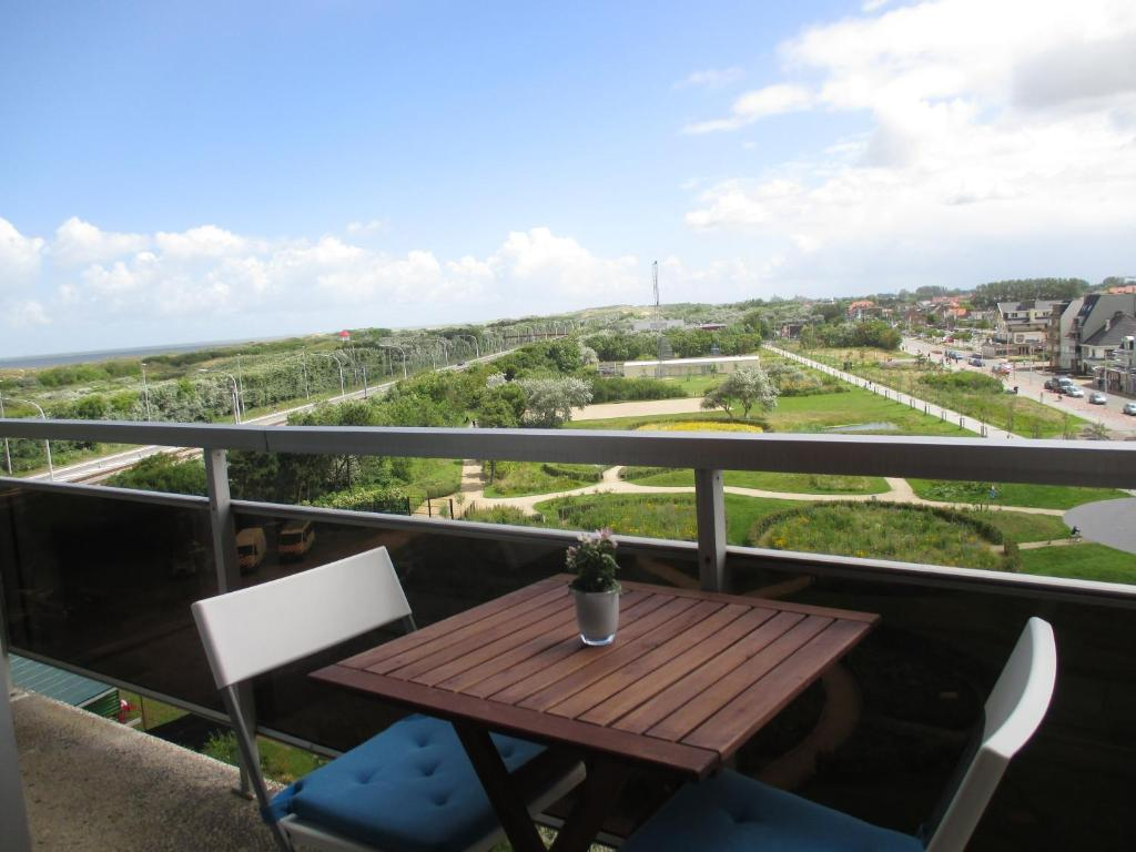 A balcony or terrace at Studio with View Bredene