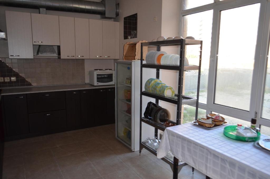 Кухня или мини-кухня в Hostel WWW