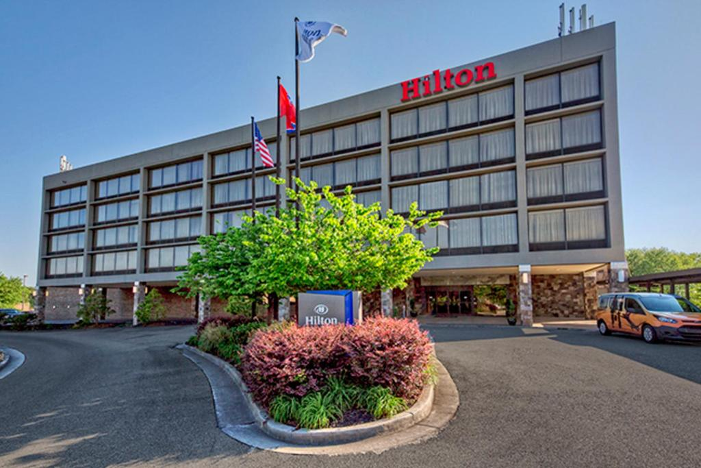 Hilton Knoxville Airport.