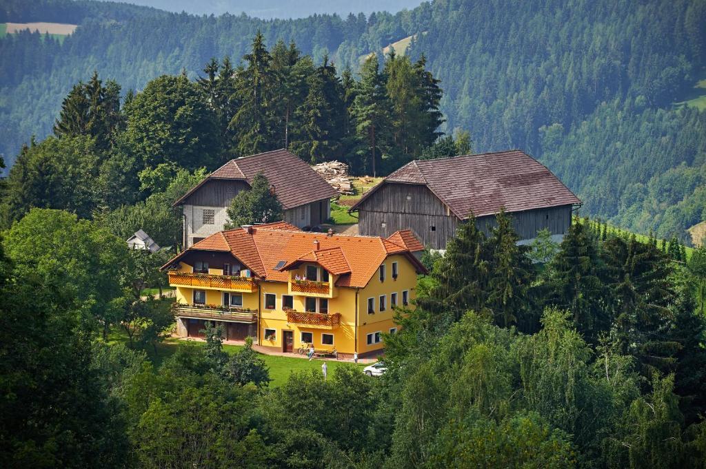 Apartments Organic Tourist Farm Gradi