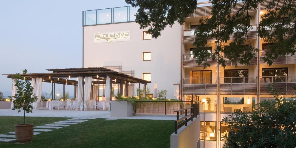 阿卡維瓦戴加爾達酒店室外花園