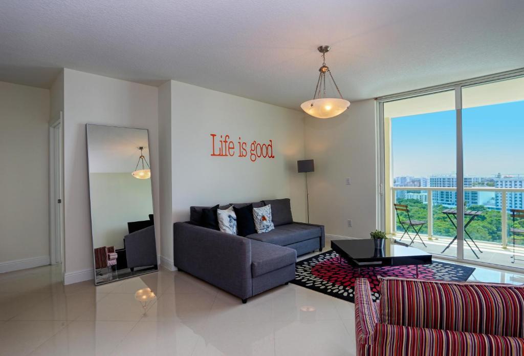 Pleasing Brickell Apartments Miami Fl Booking Com Download Free Architecture Designs Xoliawazosbritishbridgeorg