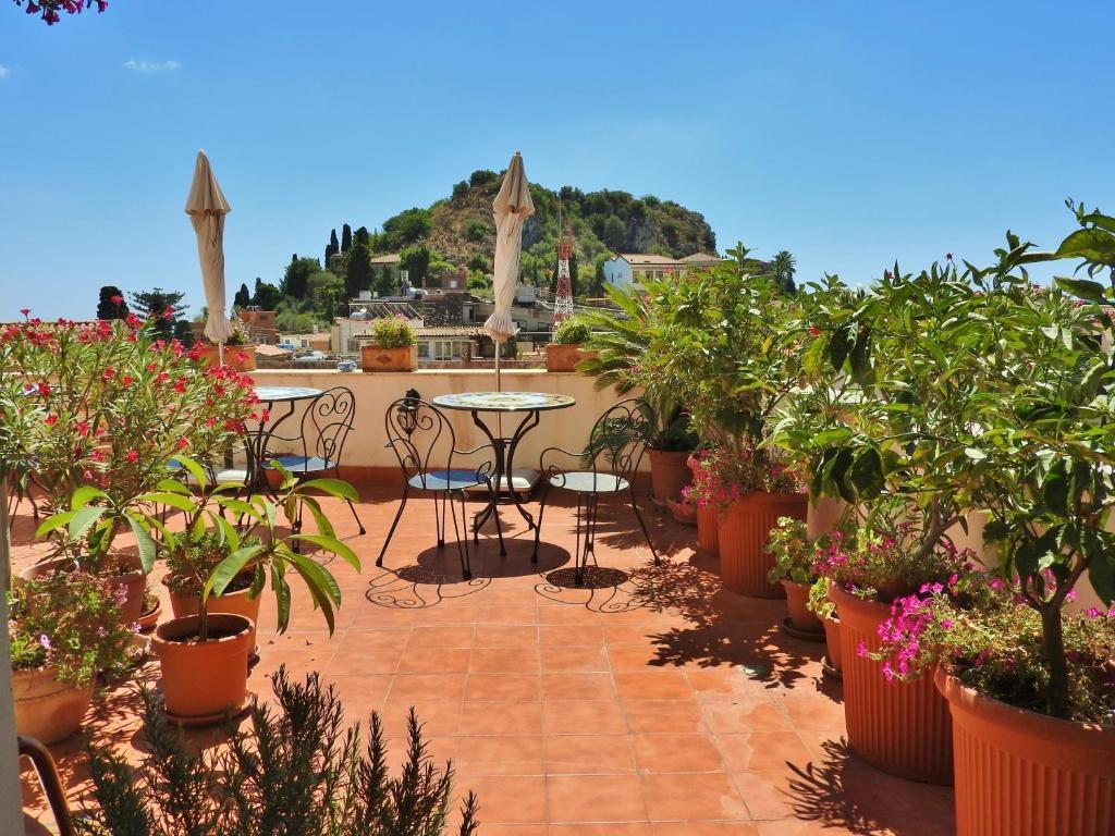 A porch or other outdoor area at Cielo di Taormina