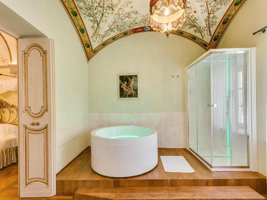 A bathroom at Relais degli Angeli Residenza d'Epoca