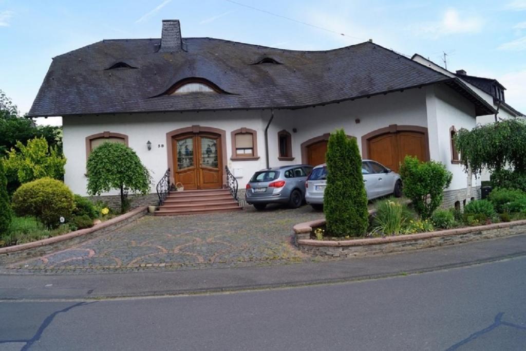 Eine Fassade oder ein Eingang zu Pension Birgit Pazen