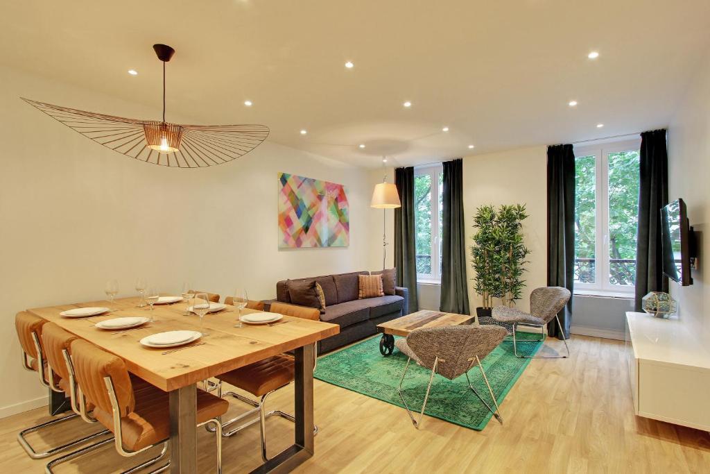 พื้นที่นั่งเล่นของ Pick a Flat - Champs Elysees / Percier Apartment