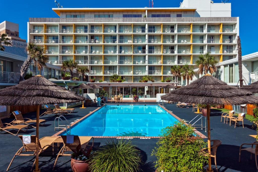 Hotel El Tropicano Riverwalk, San Antonio, TX - Booking.com on san antonio restaurant map, san antonio downtown hotels map, phoenix convention center hotels map, city of san antonio map, houston hotels map, san antonio drury plaza hotel, san antonio medical center map, san antonio river map, san antonio parking map, grand hyatt san antonio map, corpus christi hotels map, alamo san antonio map, san antonio airport map, san antonio visitors map, colorado hotels map, port aransas hotels map, alamodome san antonio map, san antonio tx at night, san antonio riverwalk extension map, san antonio bay aerial map,