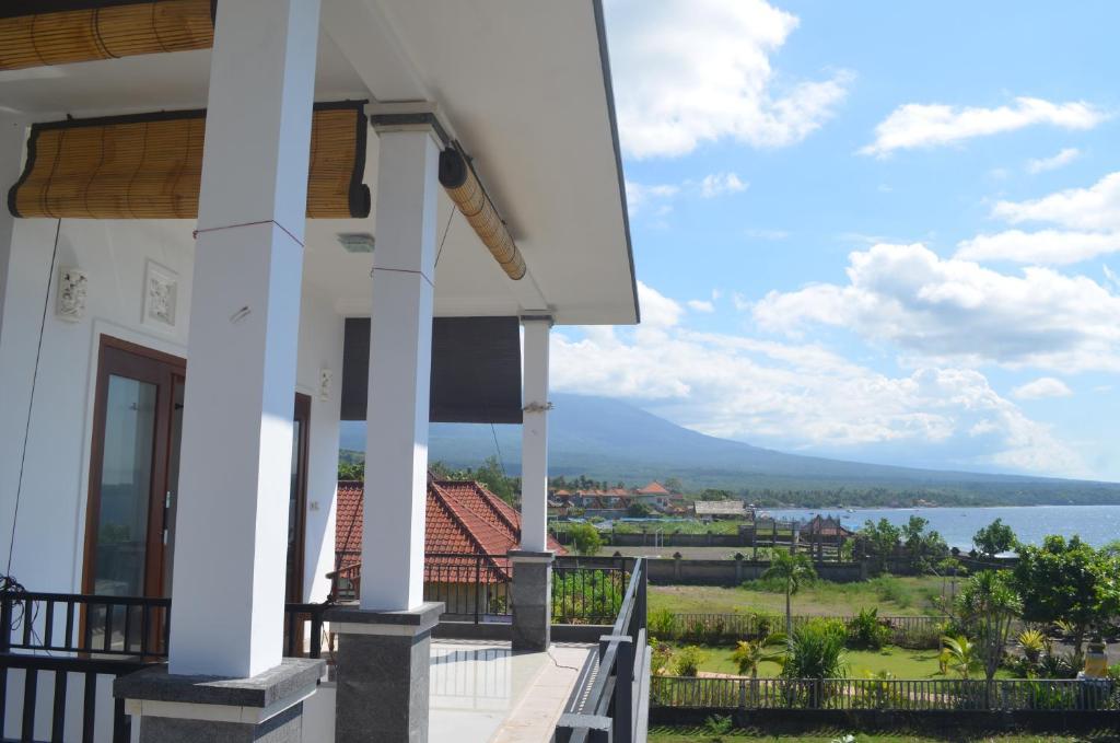 A balcony or terrace at Rivera Beach