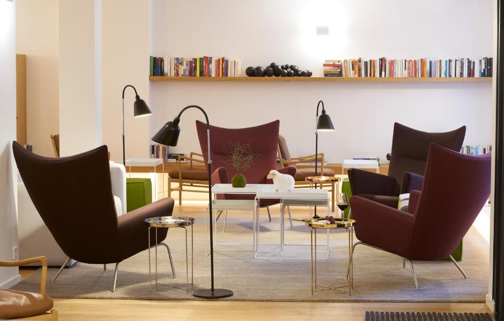 9hotel Republique Paris France Booking Com