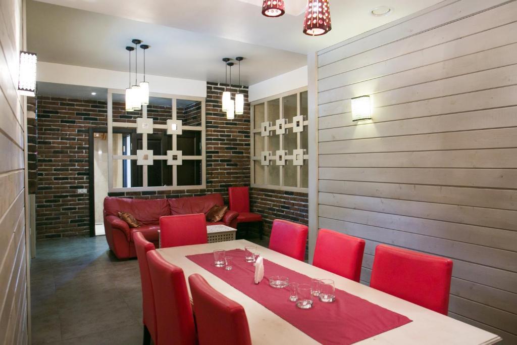 Ресторан / где поесть в Raspberry Paradise