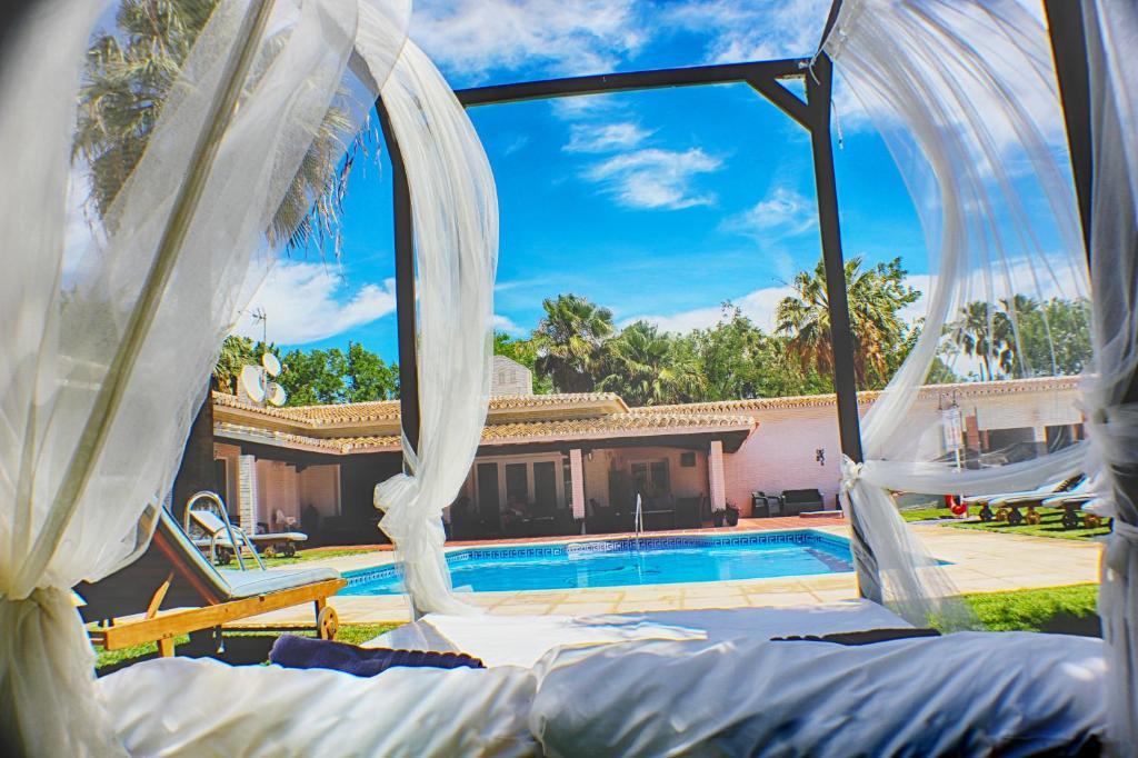 Piscina di Hotel Malaga Picasso o nelle vicinanze