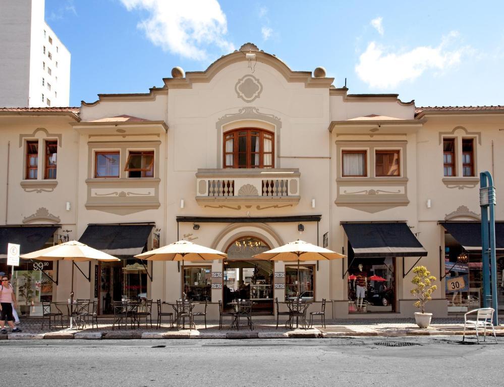 The facade or entrance of Estalagem do Café