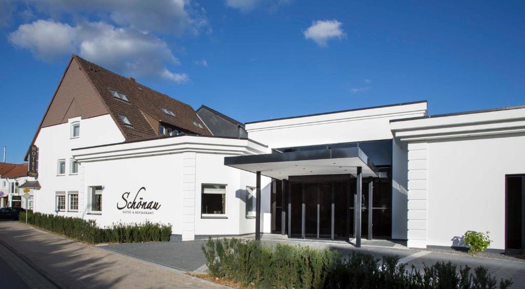 The facade or entrance of Hotel & Restaurant Schönau