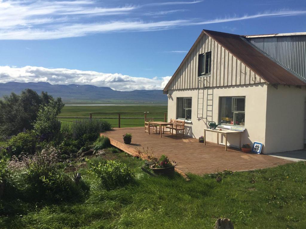 A porch or other outdoor area at Hjaltastaðir