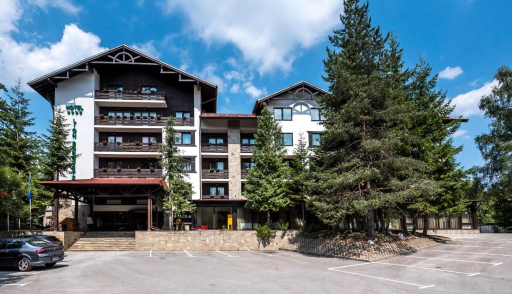 Lion Hotel Borovets during the winter