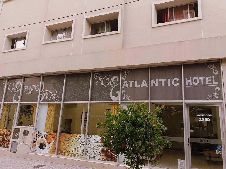 La fachada o entrada de Hotel Atlantic