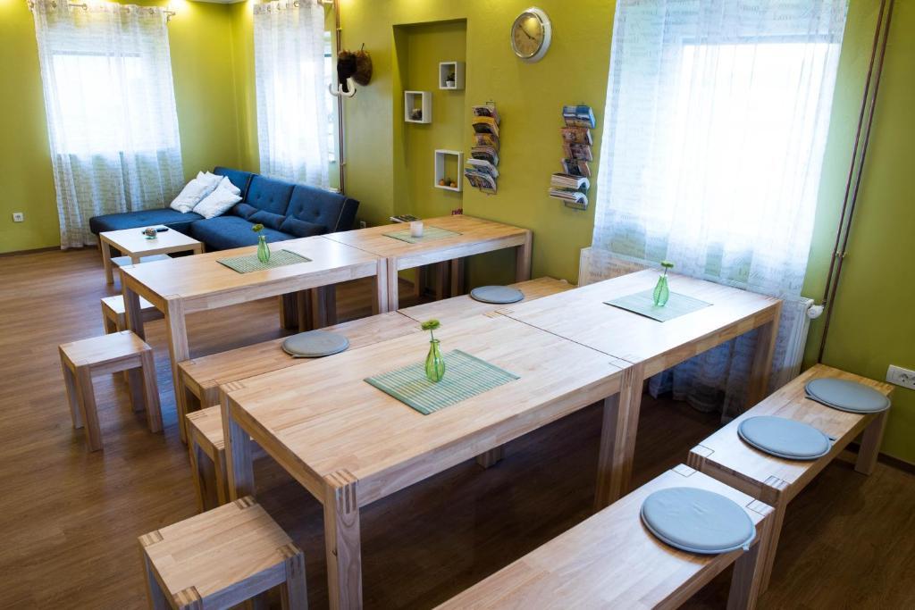 Restavracija oz. druge možnosti za prehrano v nastanitvi Hostel Hiša Na Travniku