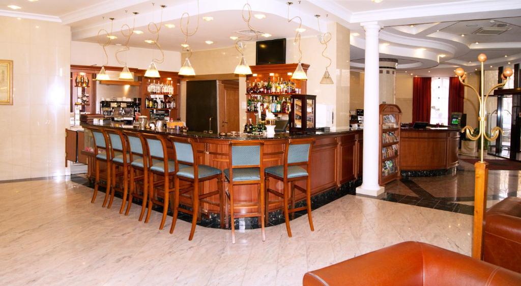 Лаундж или бар в Boutique Art Hotel
