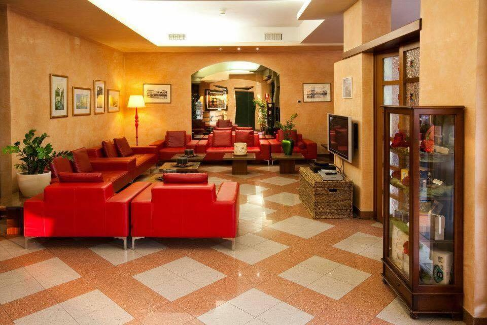 The lobby or reception area at Hotel Valbrenta