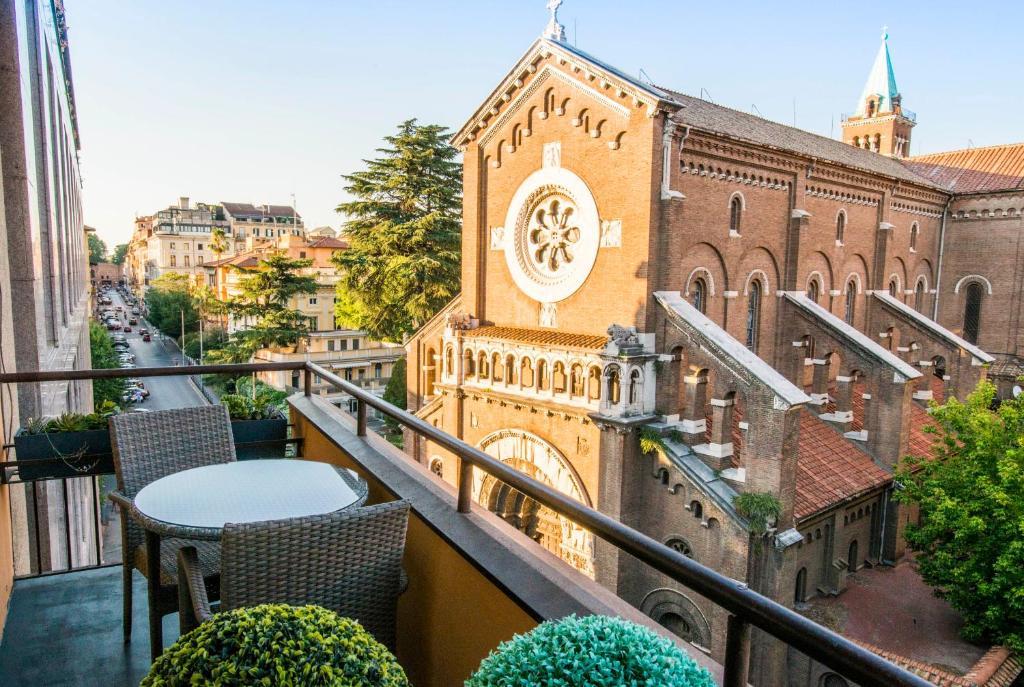 Отели Рима: Residenza Monfy Клубничный фестиваль в Неми — программа и даты 2020 Клубничный фестиваль в Неми — программа и даты 2020 76519310