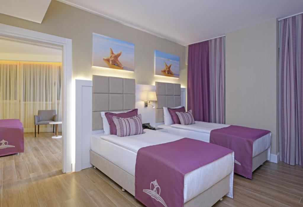 Номер в Asia Beach Resort & Spa Hotel