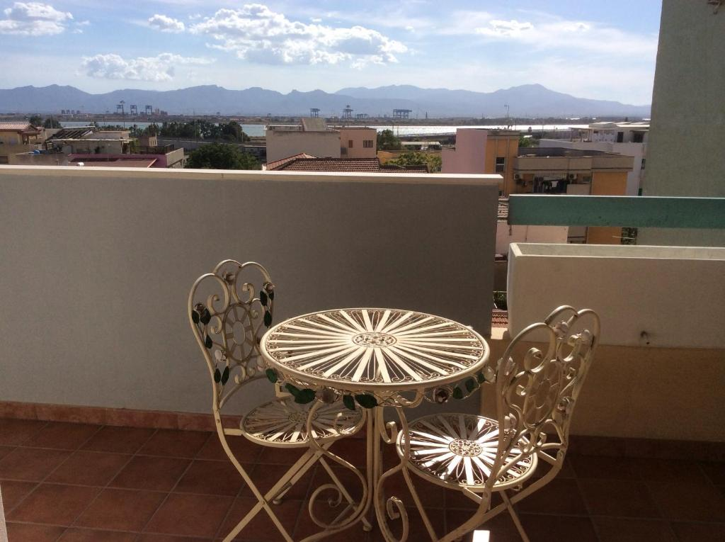 A balcony or terrace at Monolocale Luisa