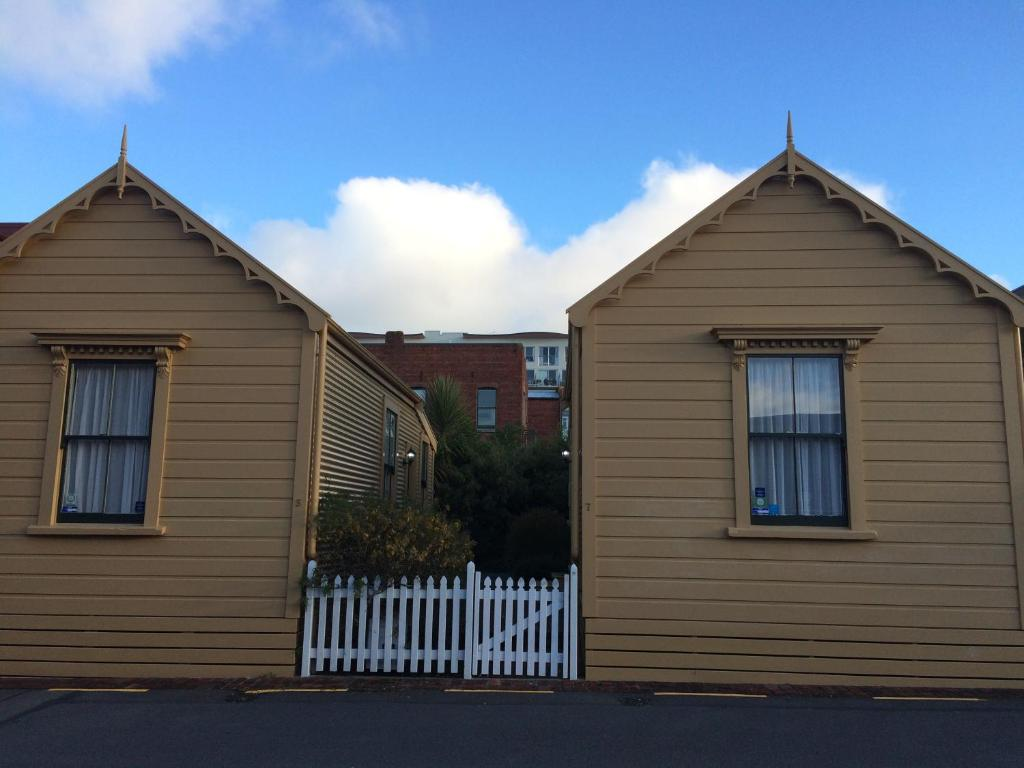 Wellington City Cottages