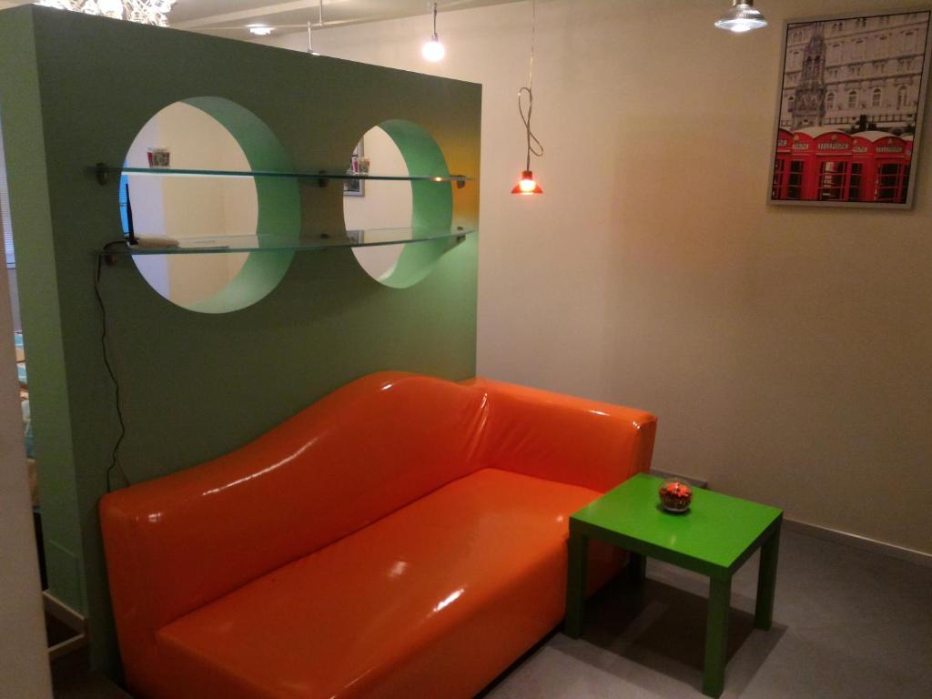 Khu vực ghế ngồi tại Apartment on Gerasima Kurina 20