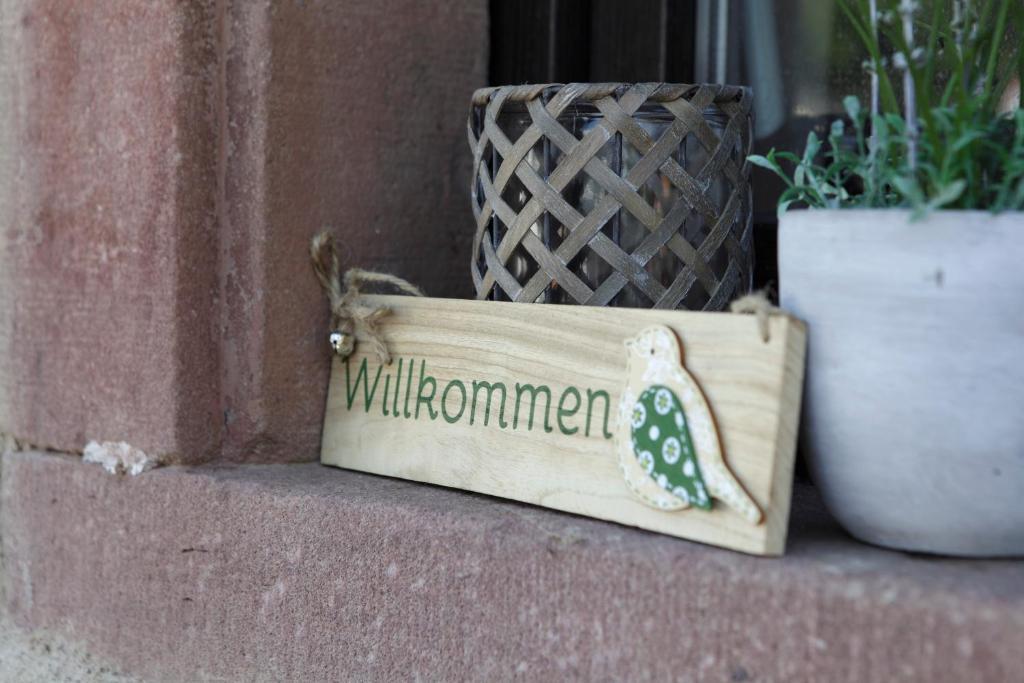 Eine Fassade oder ein Eingang zu Wälderstr Kenzingen