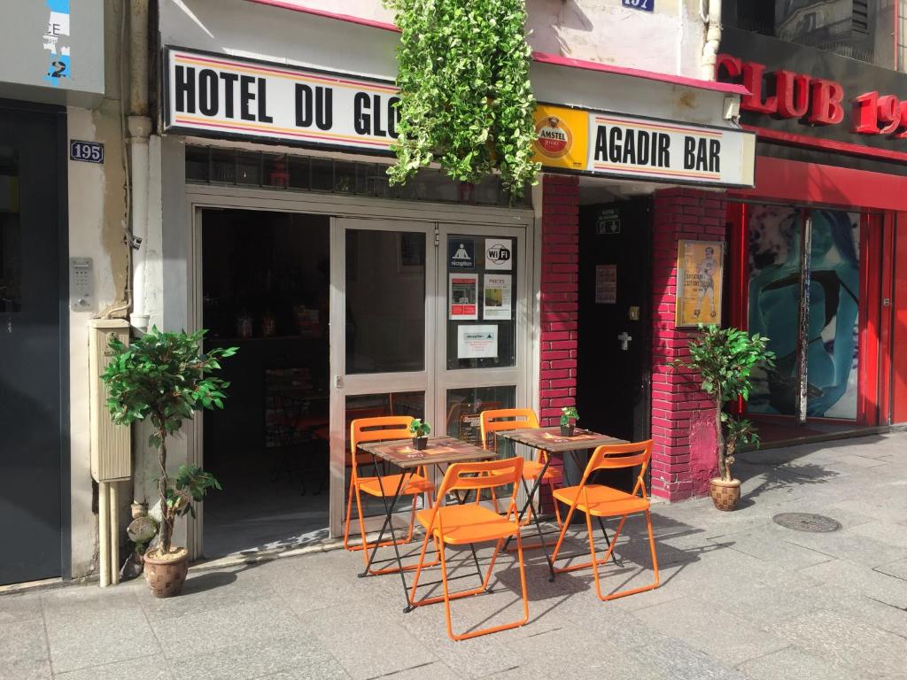 A porch or other outdoor area at Hotel Du Globe