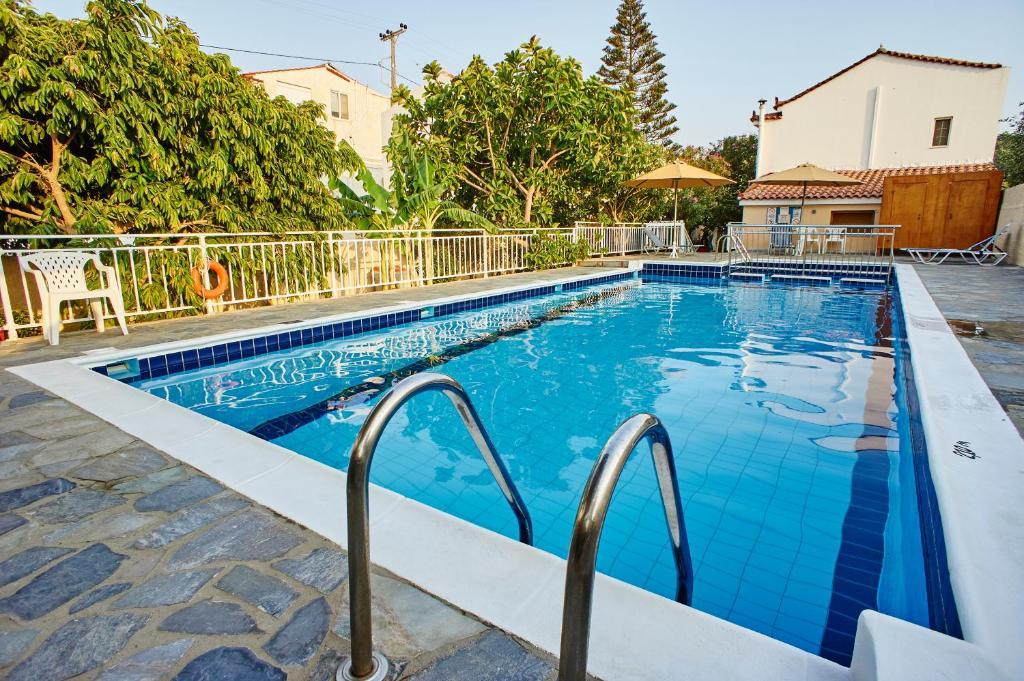The swimming pool at or close to Christinantzela Apartments