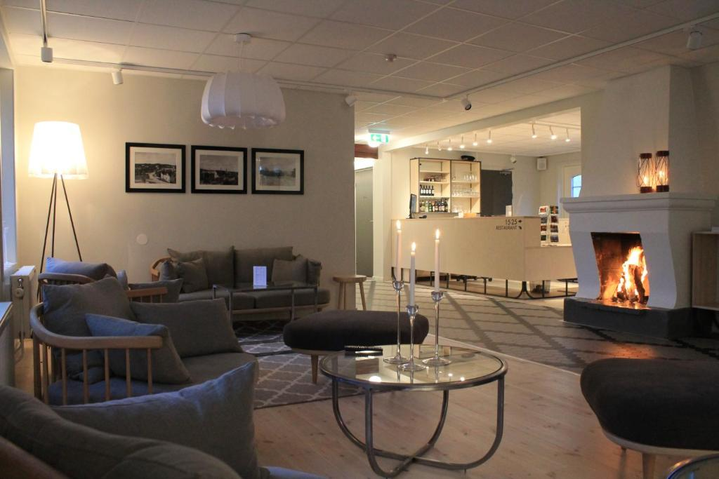 The lounge or bar area at Hotel Akerlund