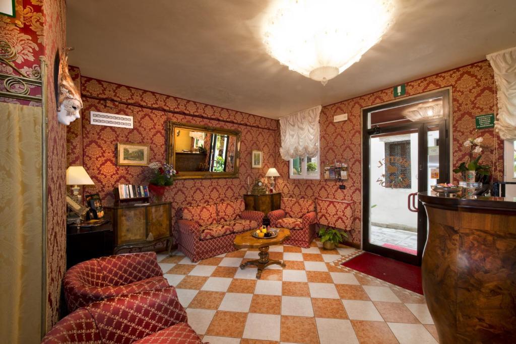 Saló o bar de Hotel Mignon