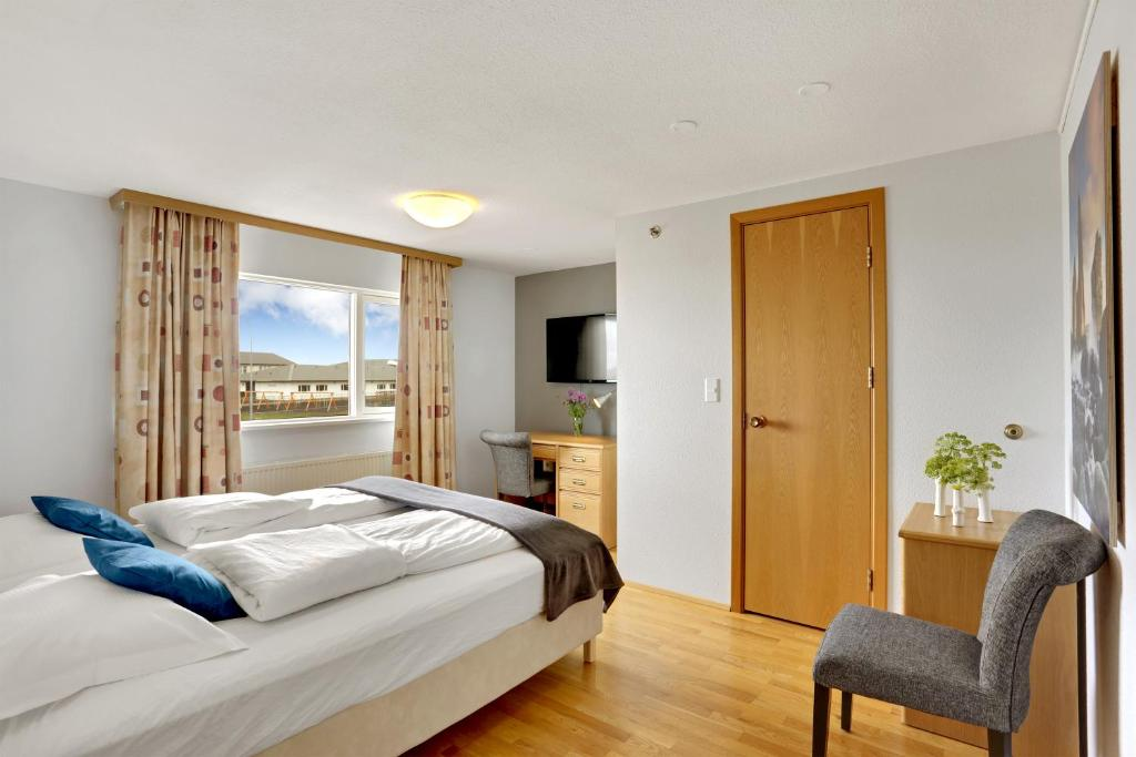 A room at Eldey Airport Hotel