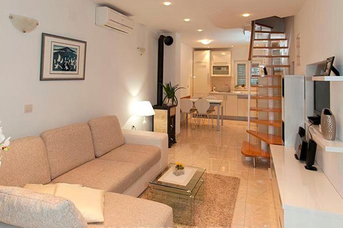 Salon ili bar u objektu Apartment Vanja