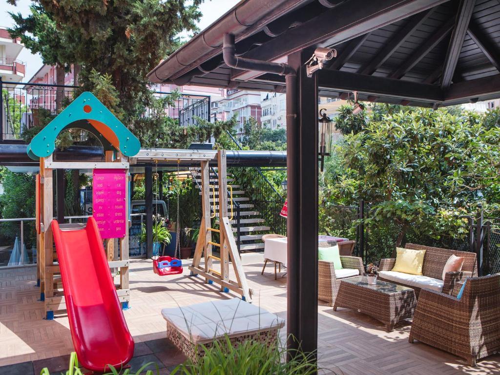 Патио или другая зона на открытом воздухе в May Flower Apart Hotel