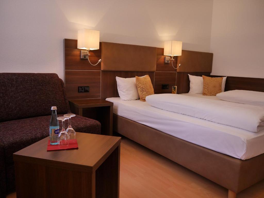 Una habitación de Romantica Hotel Blauer Hecht