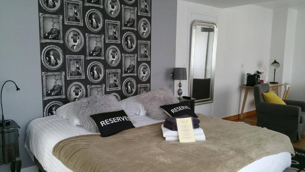 A room at Hôtel L'ideal le Mountbatten