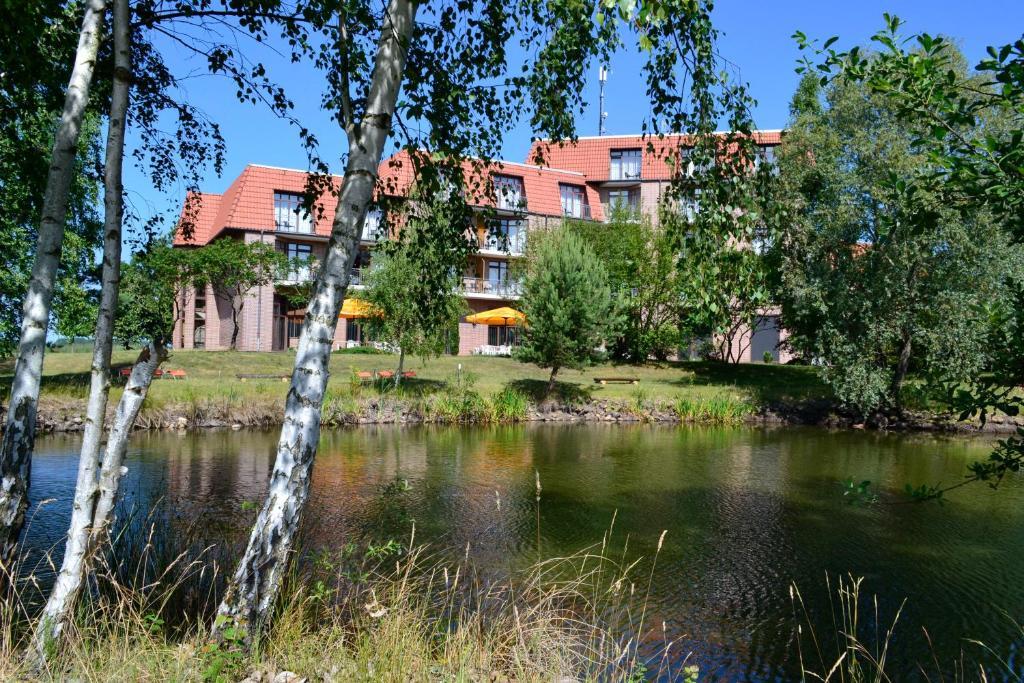 Ein Garten an der Unterkunft Spreewald Parkhotel